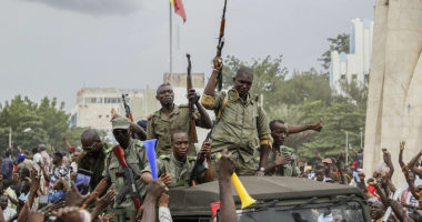 Detained by mutinous soldiers, Malian president announces resignation