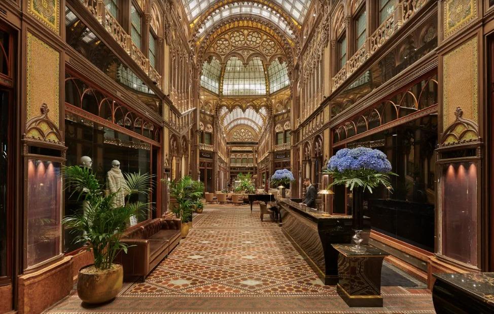 Hungary, Budapest, Parisian Court