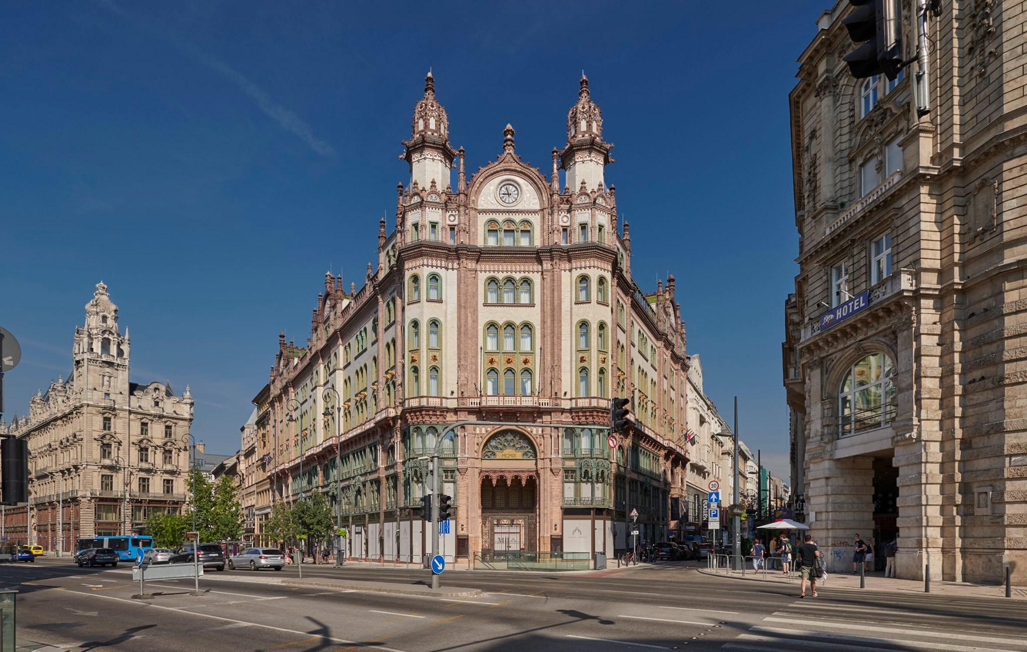 Hungary, building, Parisian Court, Budapest