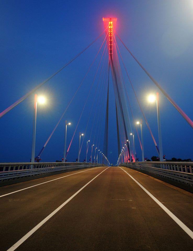 Komáromi Bridge, Hungary, bridge