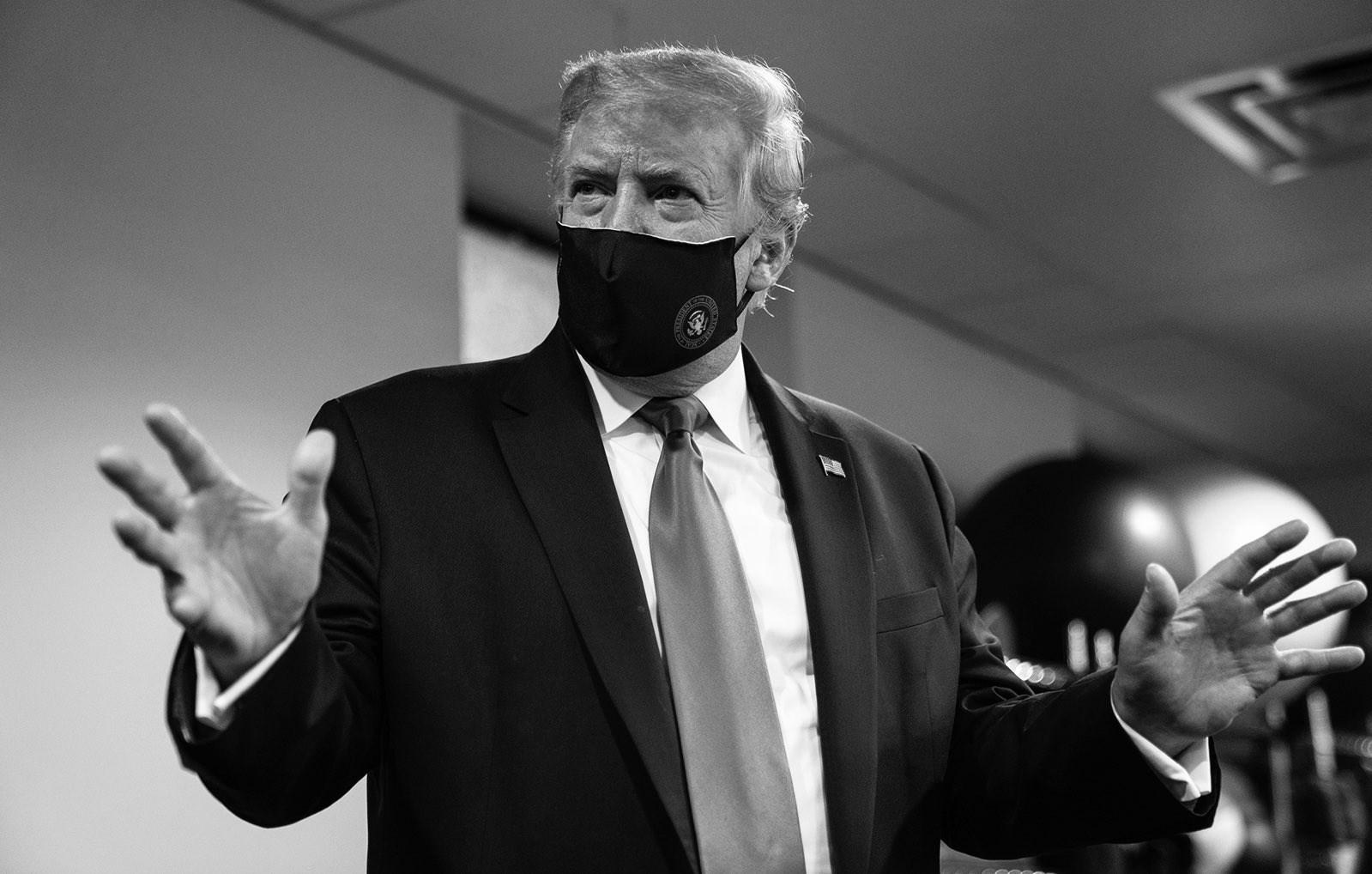 trump in mask