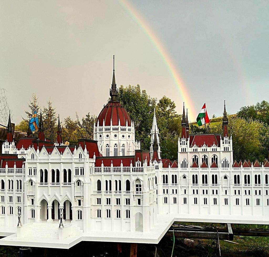 Parliament Parlament Rainbow