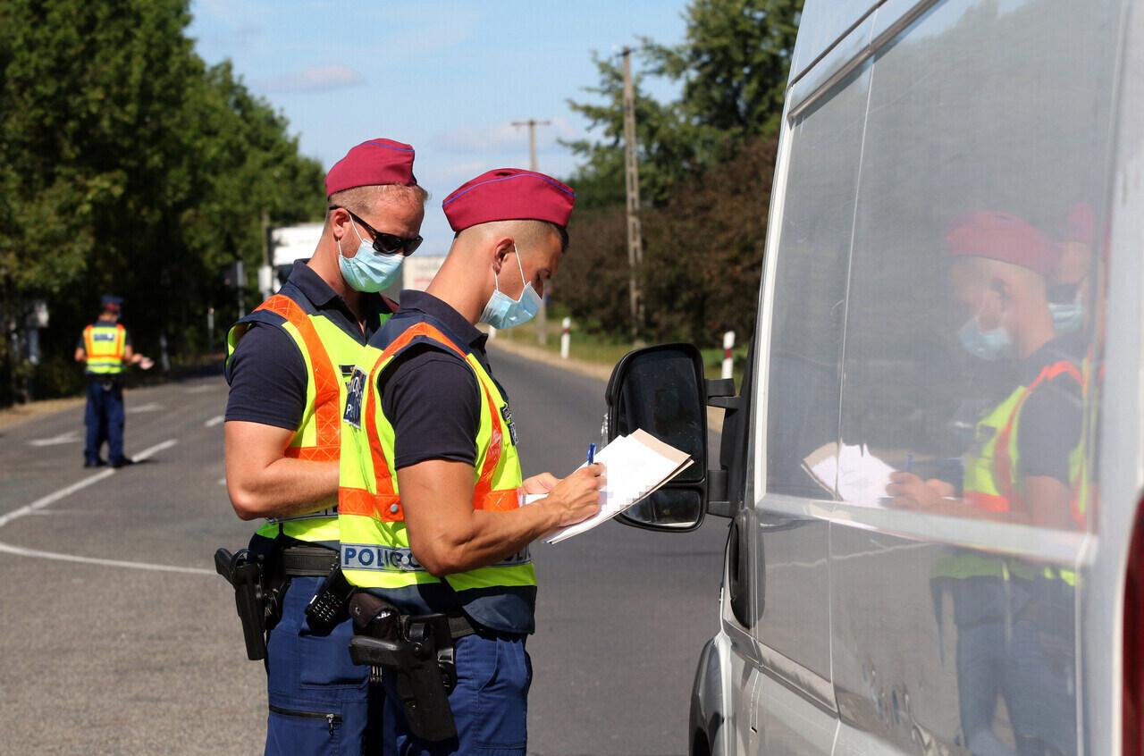 border-Hungary-slovakia-police