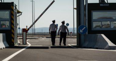 border police control