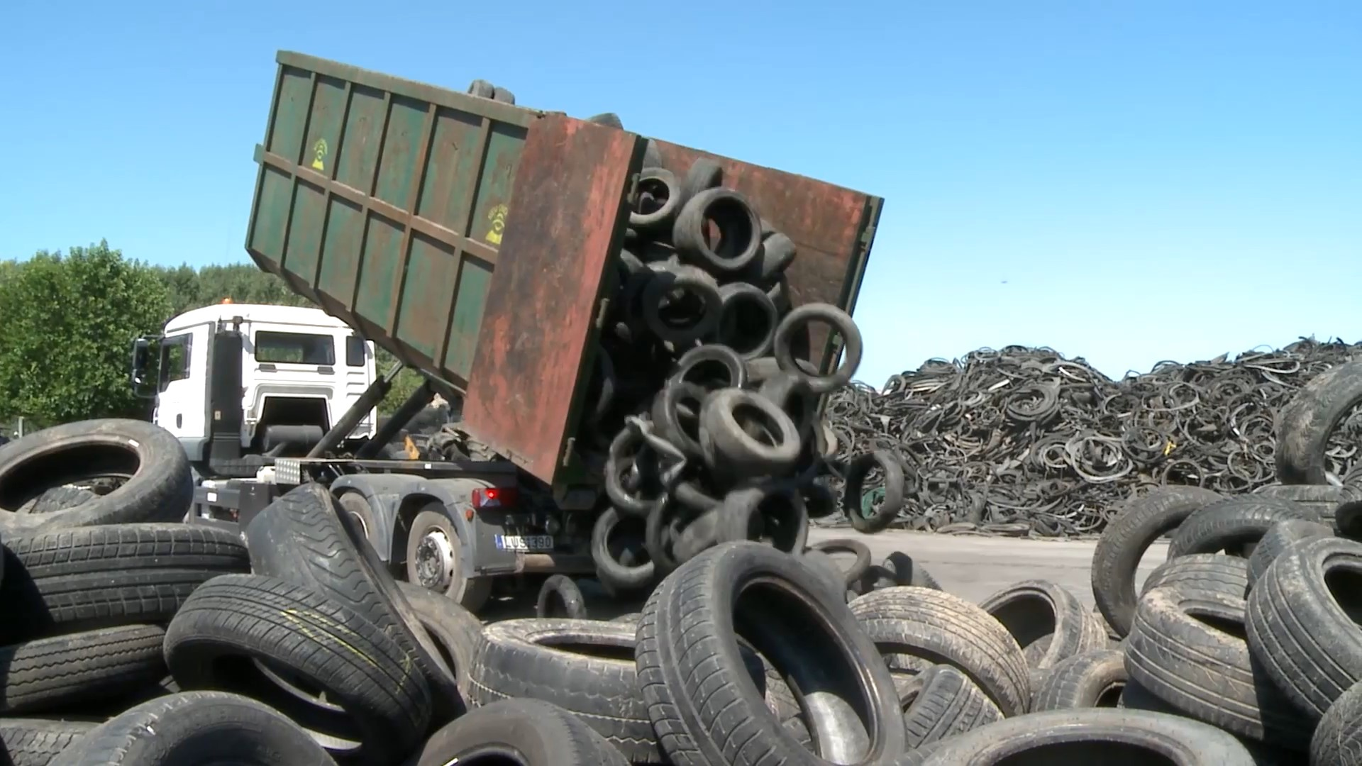 car tire-recycling-waste