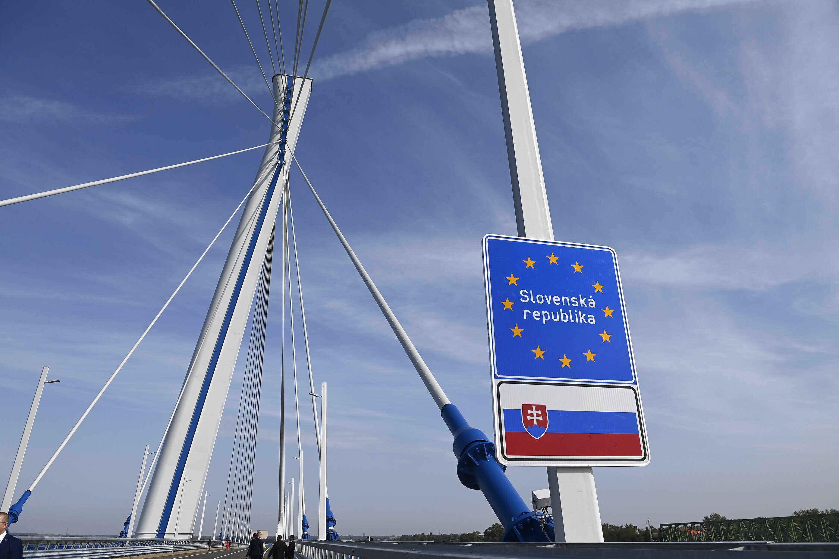 danube bridge hungary slovakia