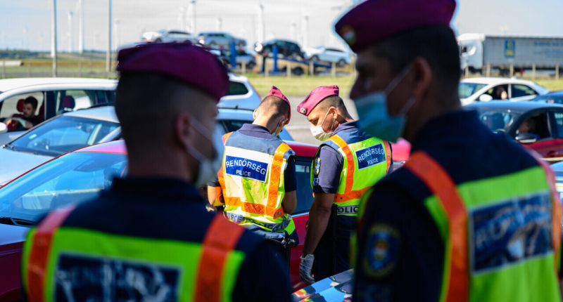 police-hungary-border-control