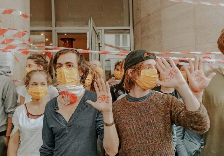 szfe drama university hungary budapest strike