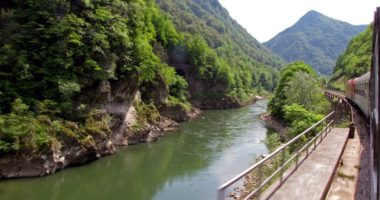train slovenia