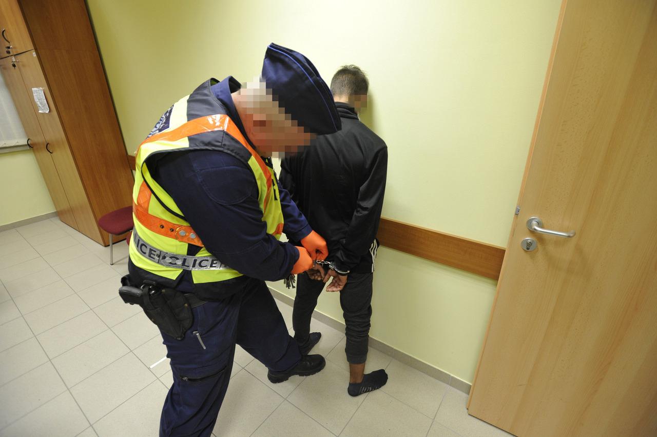 Rendőr Elfog