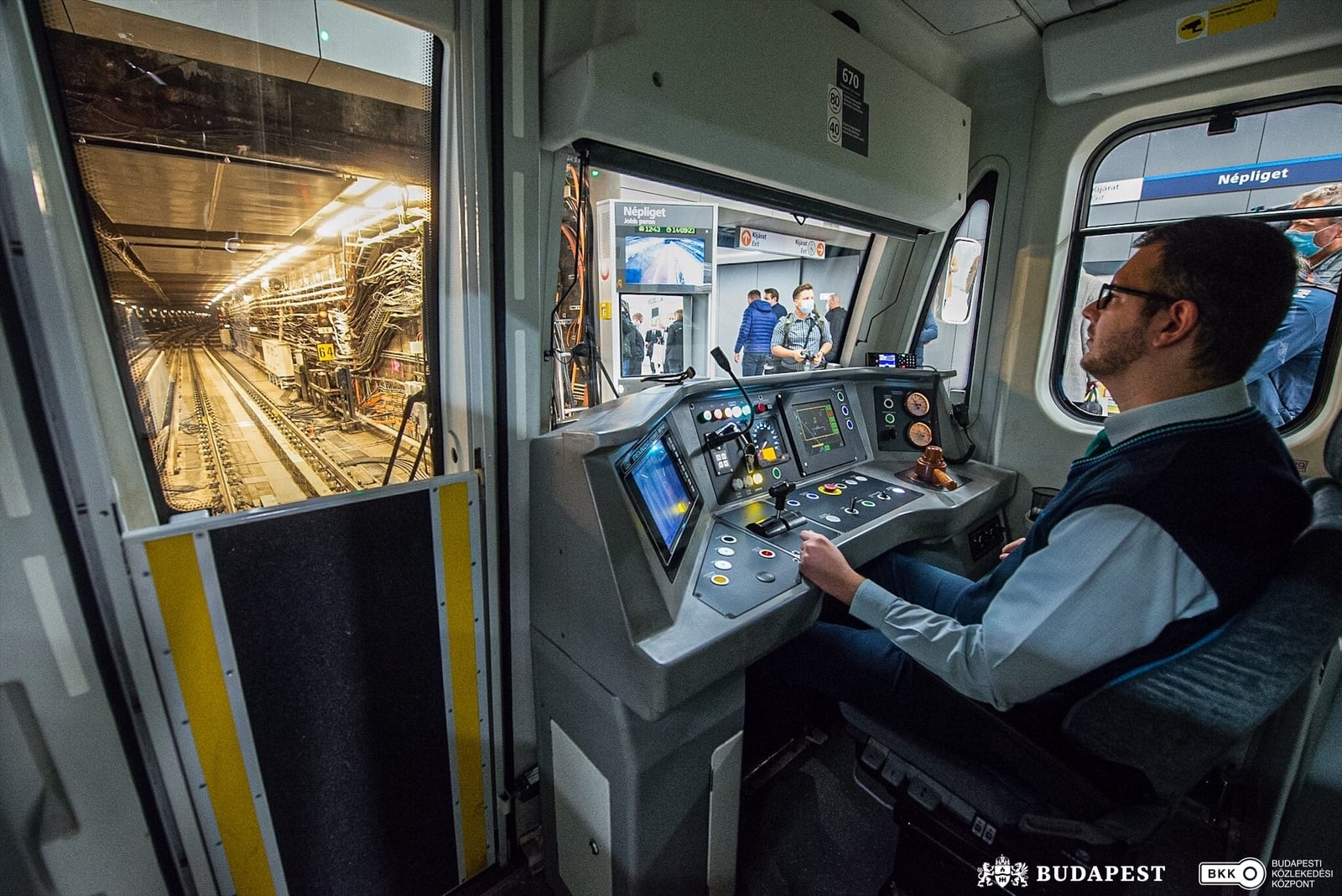 new section of metro line 3
