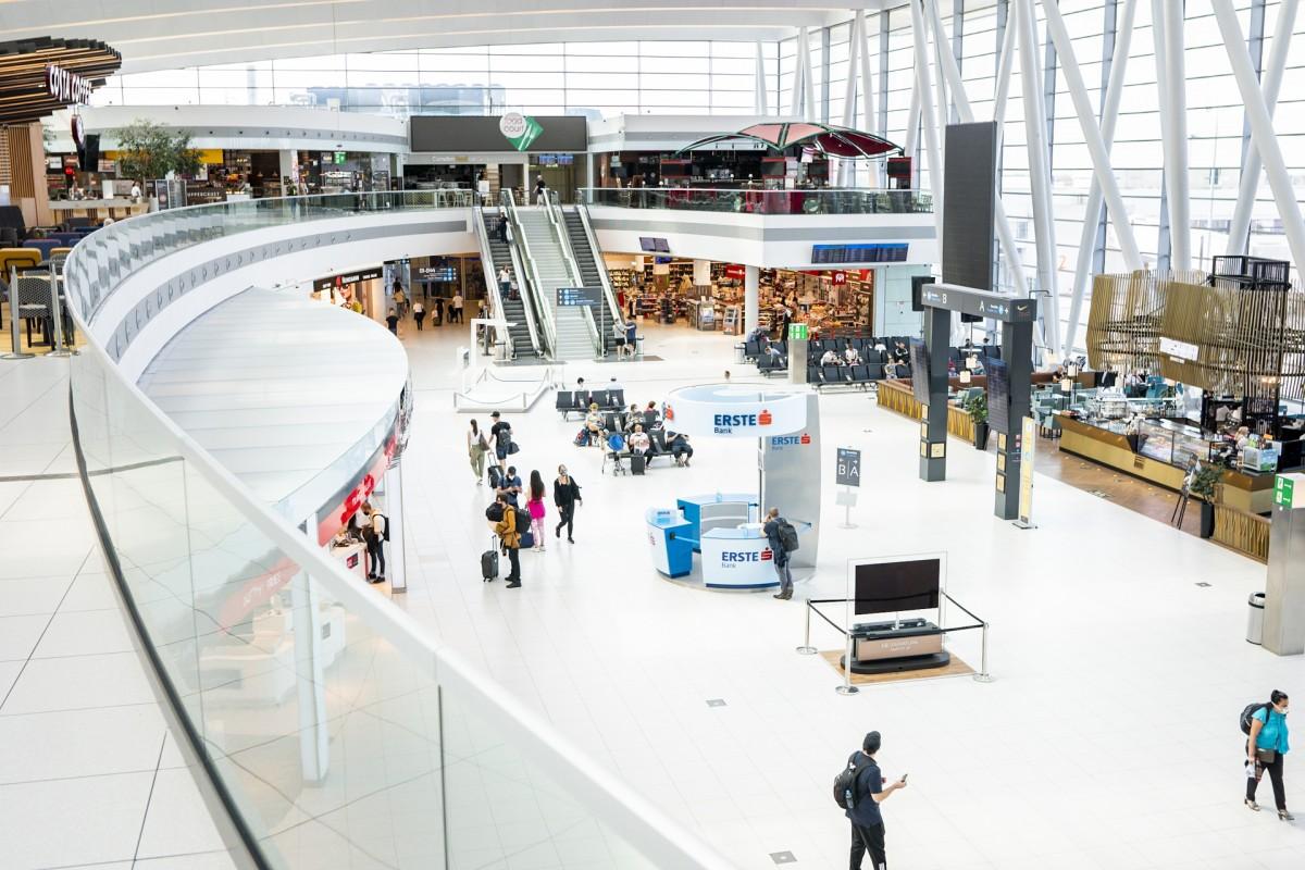 budapest airport inside