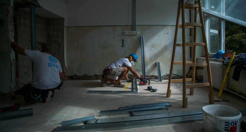 hungary worker