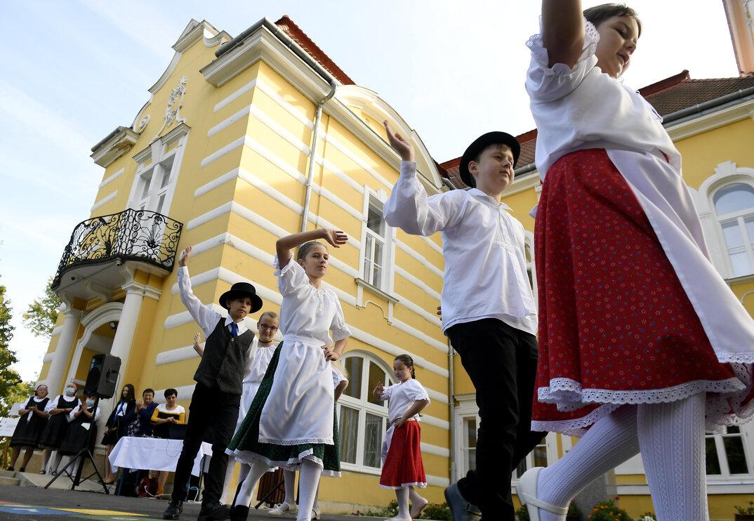Hungary education school