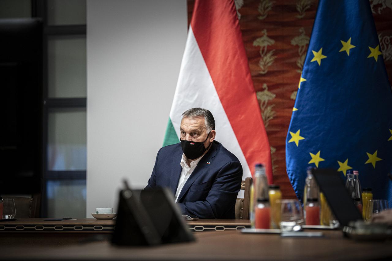 Orbán-coronavirus-mask