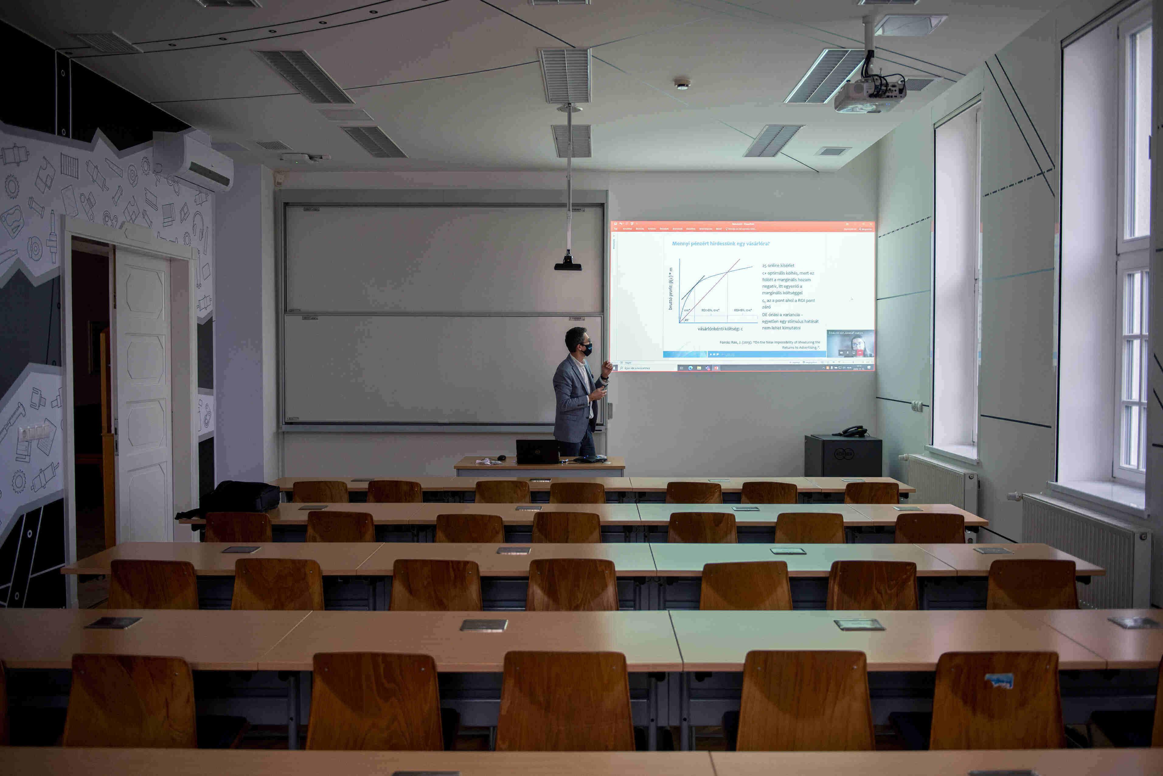 hungary distance education