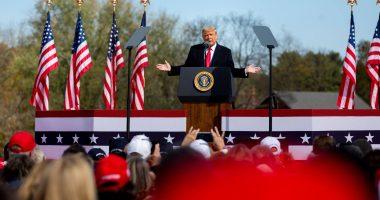 donald trump open hands