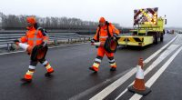 hungary road workers