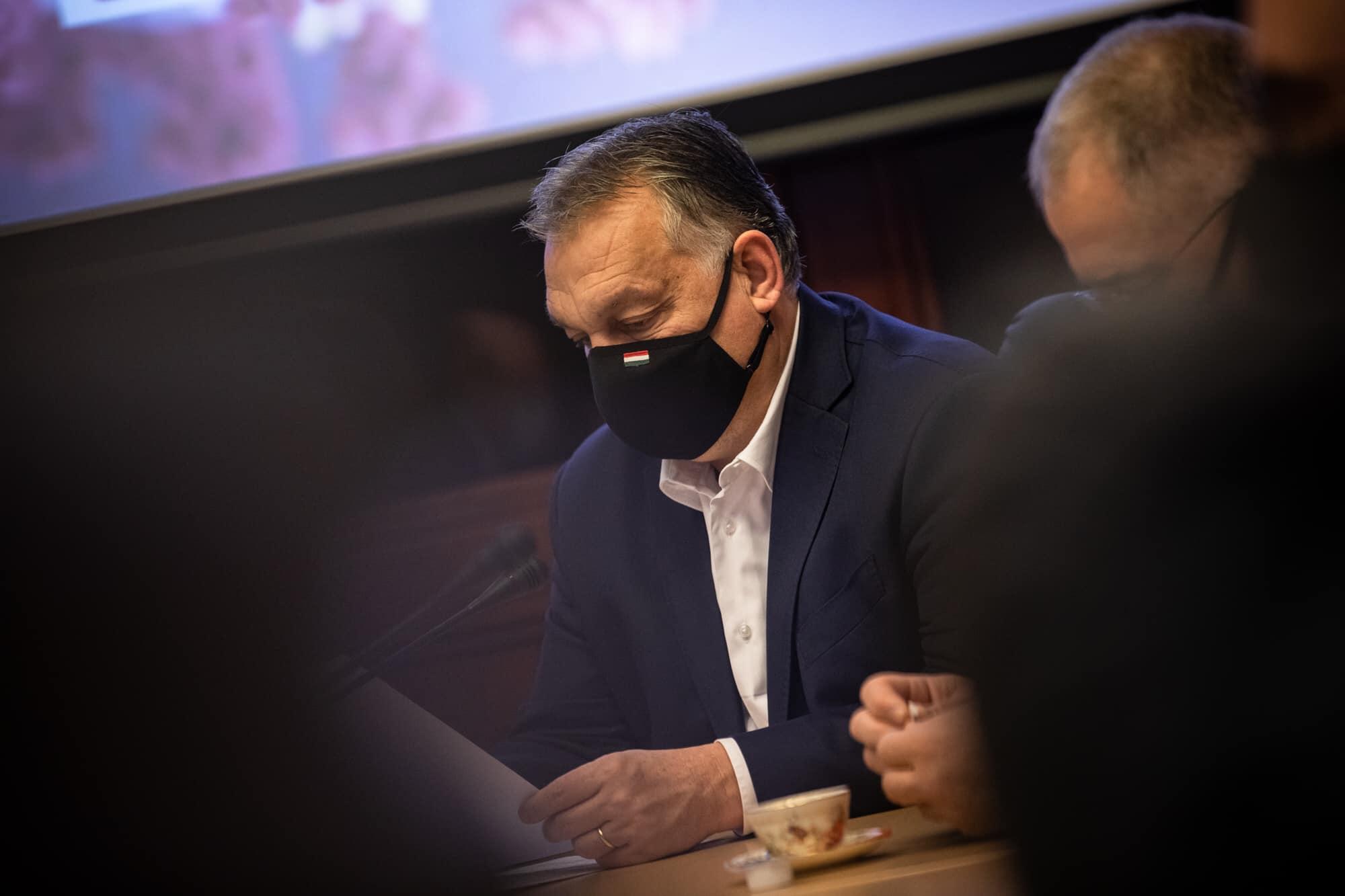 orbán mask