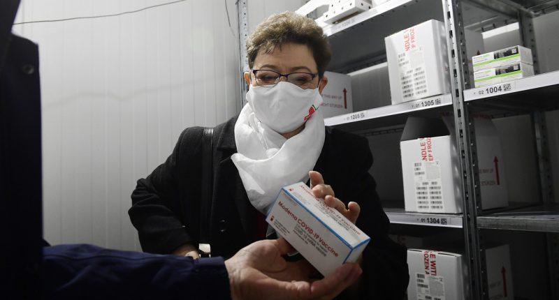 Moderna-in-Hungary-vaccine-Müller