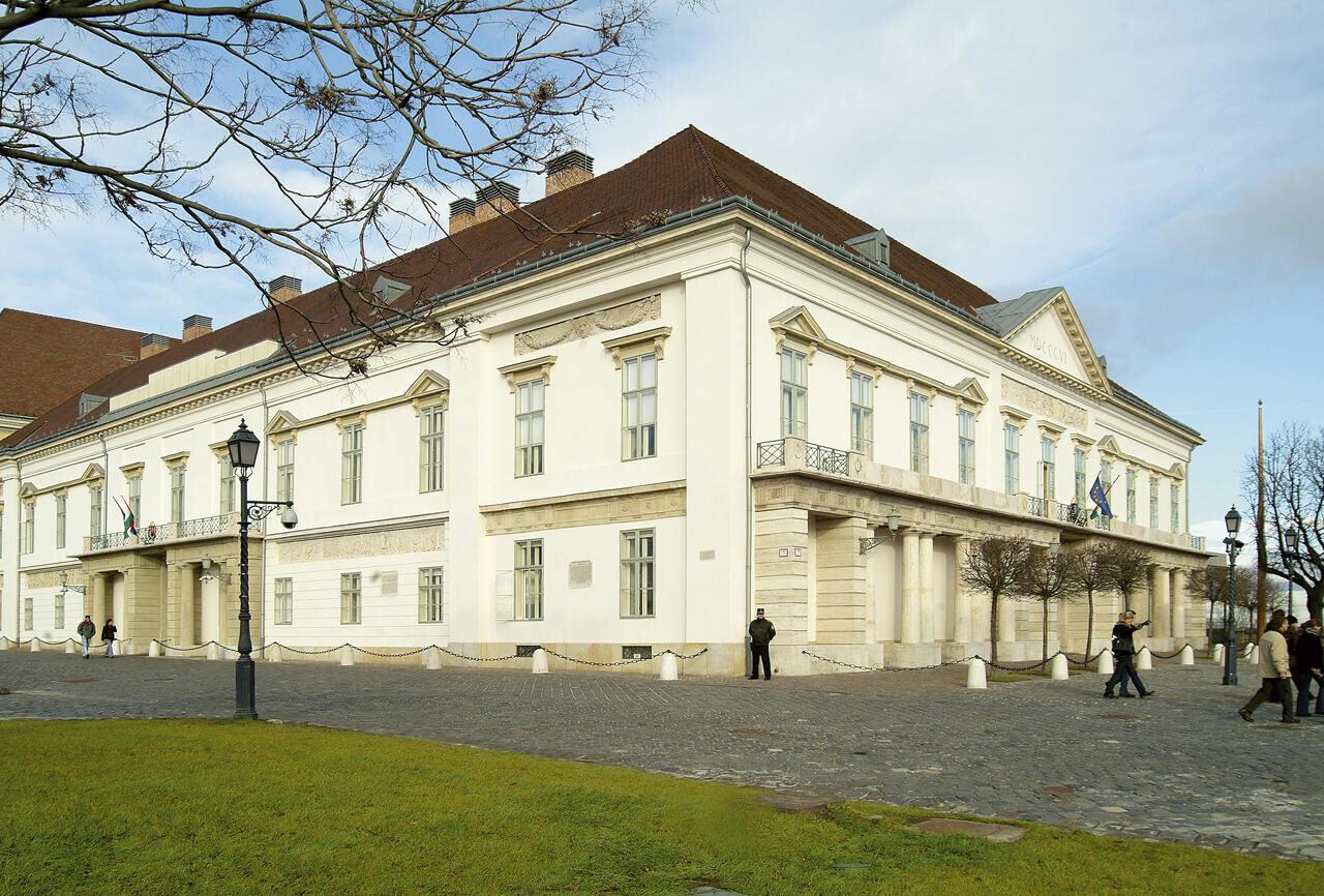 Sándor_palota_palace president Hungary