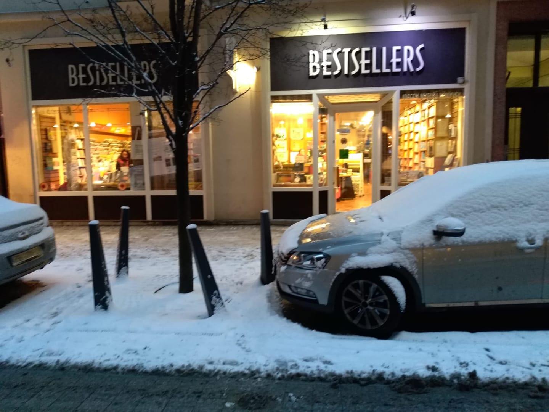 bestsellers book shop