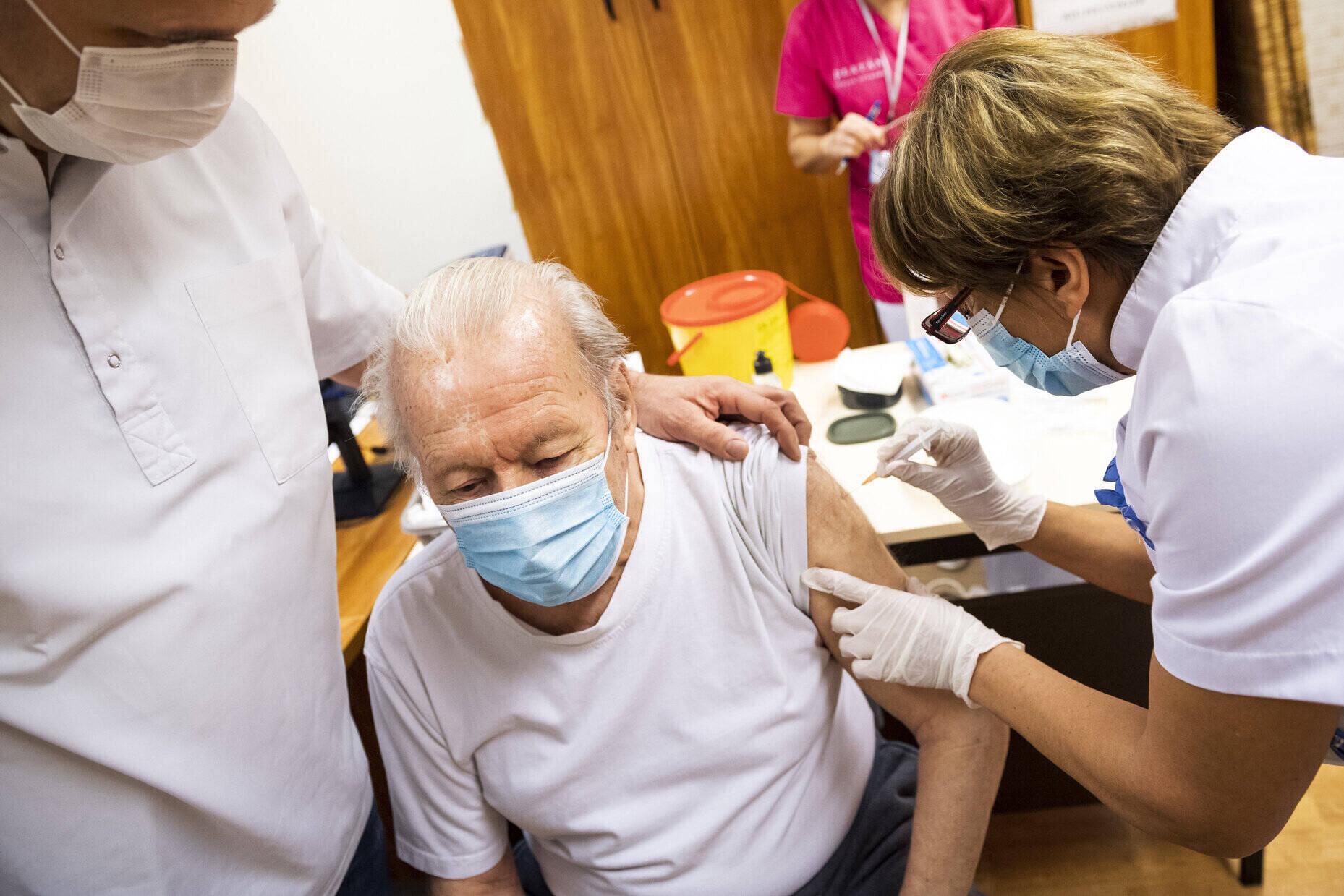 coronaviru elderly