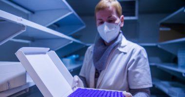 pfizer-vaccine-hungary-semmelweis