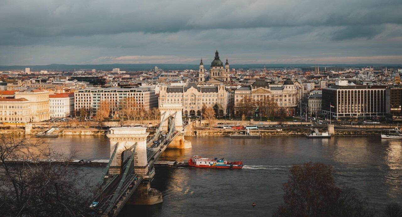 chain bridge budapest hungary buildings panorama