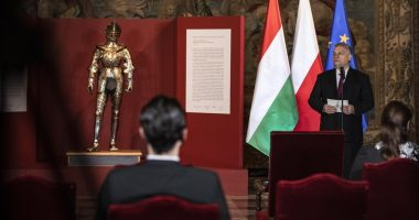 Hungary returns child armour of King Sigismund II Augustus to Poland
