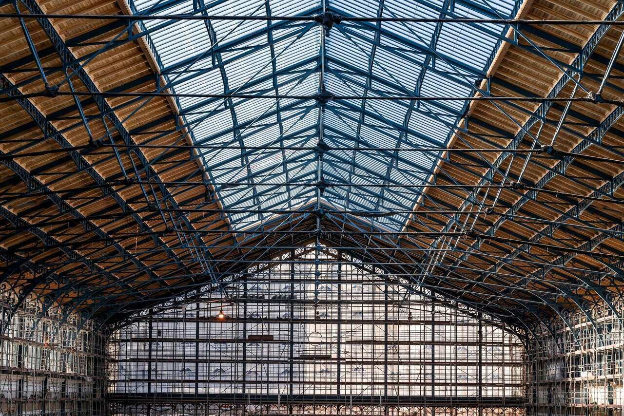 construction_work_on_nyugati_railway_station_roof_structure_completed