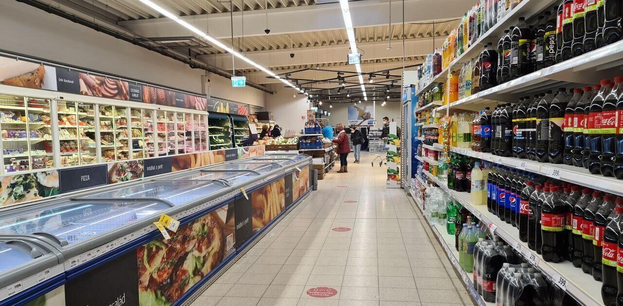 store shopping food tesco hungary