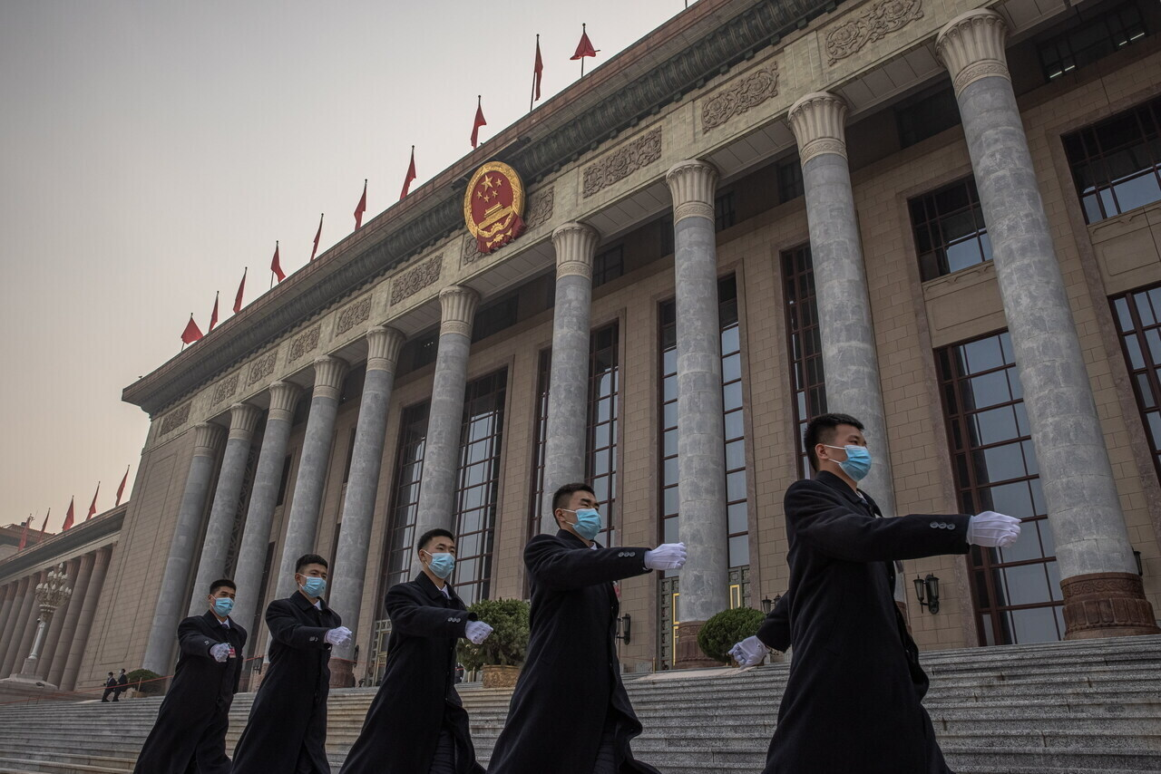 beijing-china-soldiers-chinese