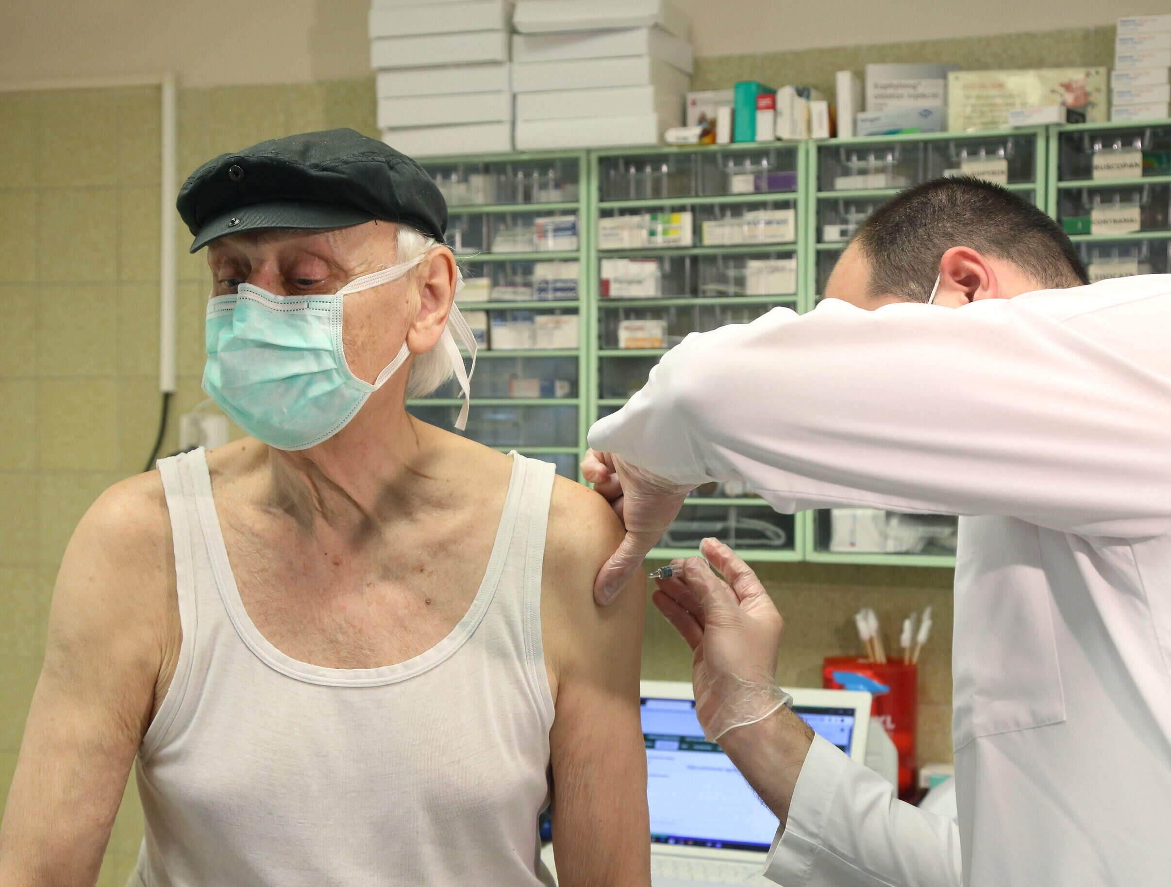 vaccine elderly patient
