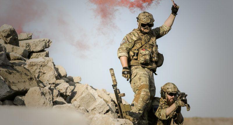 Military Guns Fighting Rifle Pistol Katonaság Soldier Fegyver