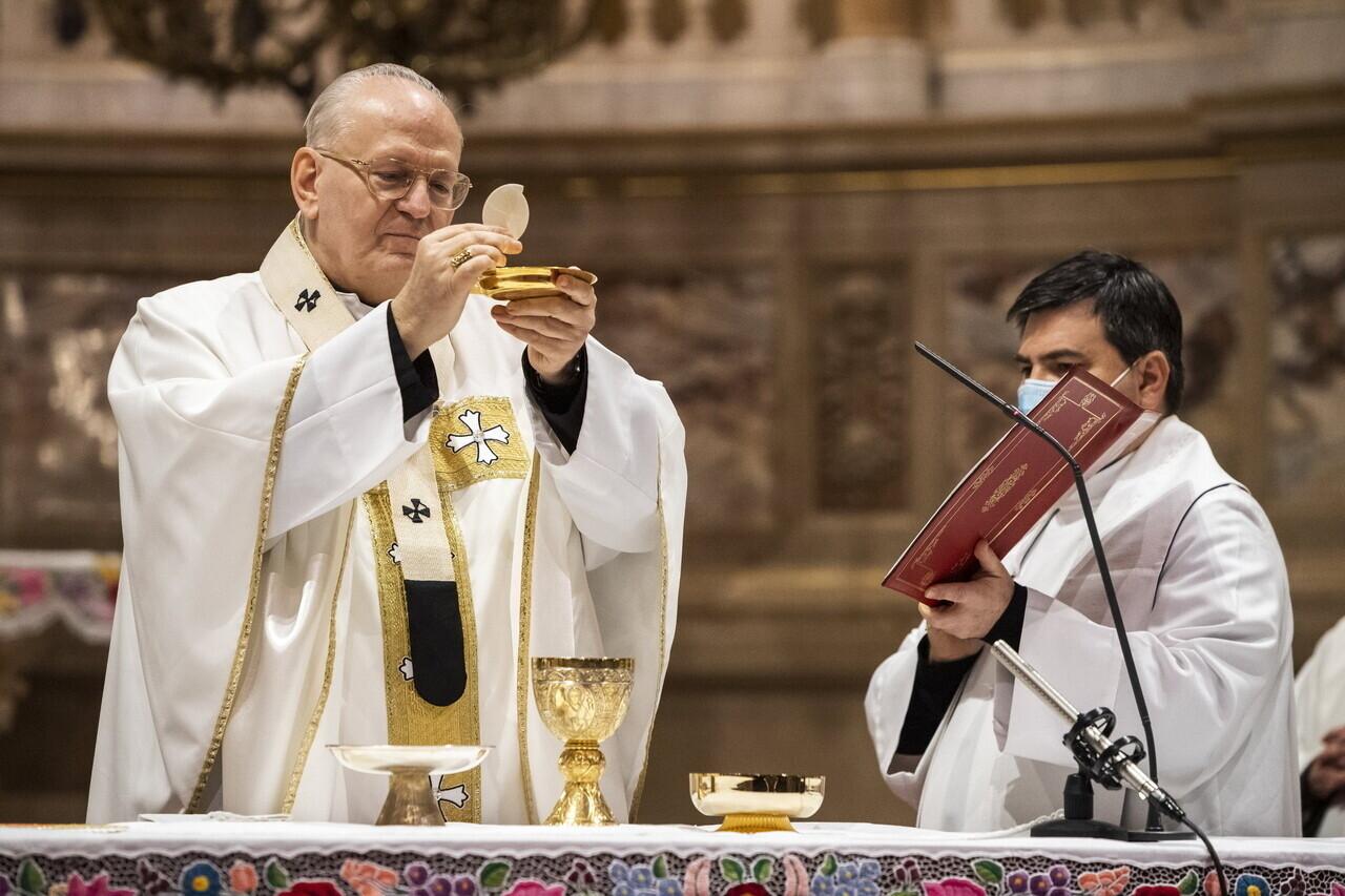 Priest Church Religion Christianity Pap Templom Kereszténység Vallás