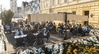 restaurant-terrace-Hungary-coronavirus-ease
