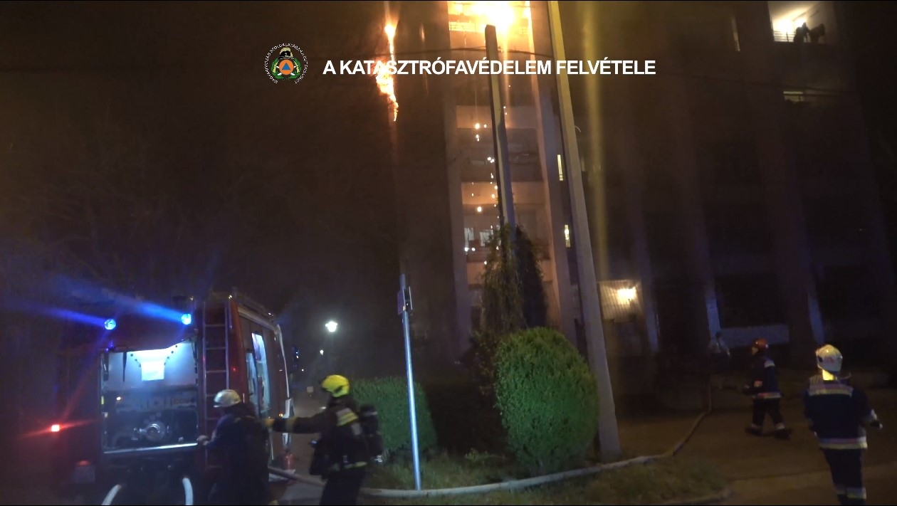 Apartment Building Fire Recording