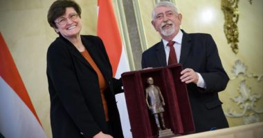 Biochemist Kariko awarded Semmelweis Prize