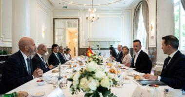 Hungary diplomacy Spain