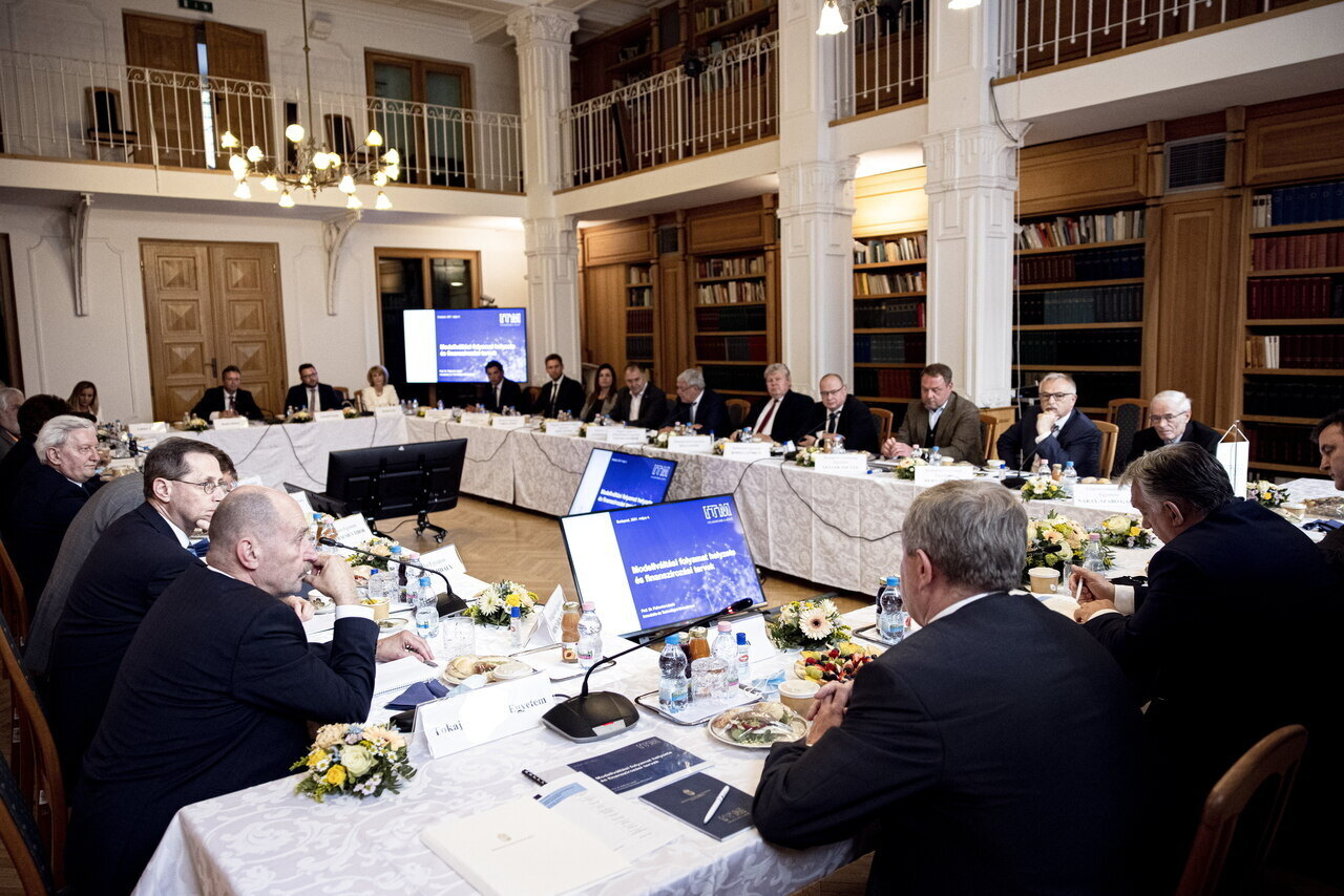Orbán meets board leaders of pro-government foundation-run universities