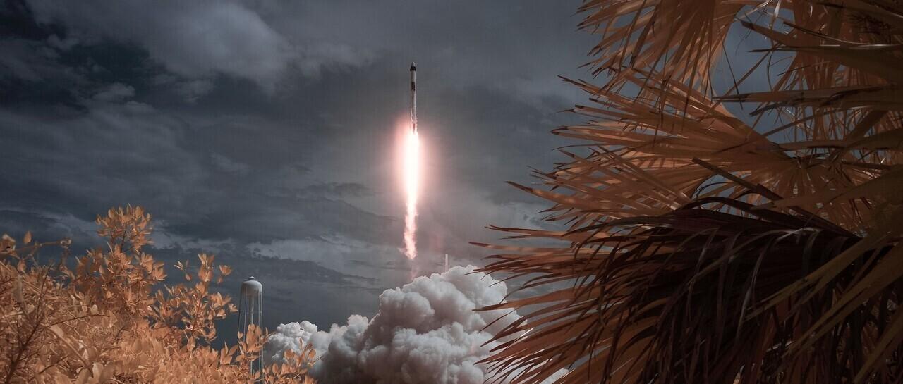 Space Rocket Satellite Űr