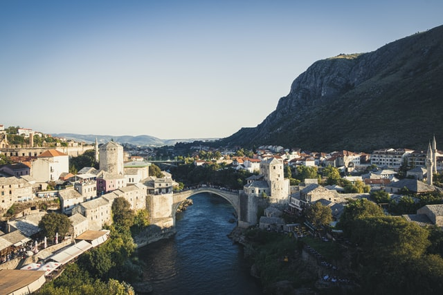 Bosnia Hungary helps