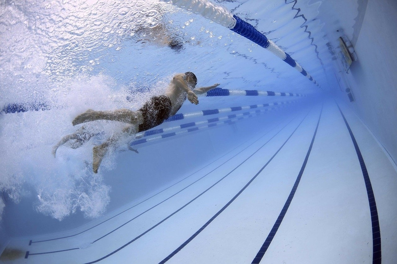 swimming-man-pool-sport