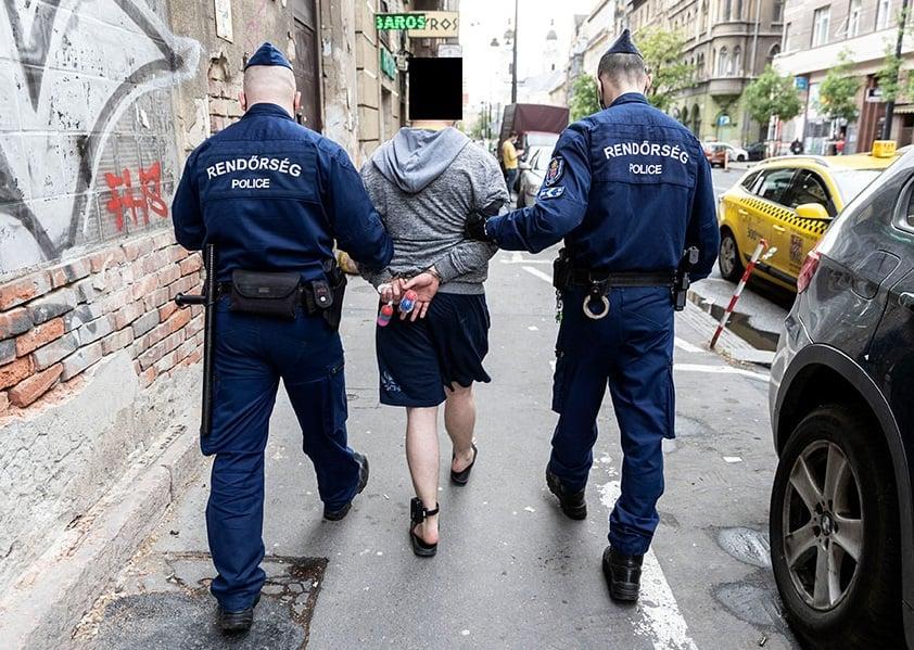 Hungary police bounty hunter