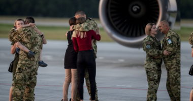 military-army-emotional-family