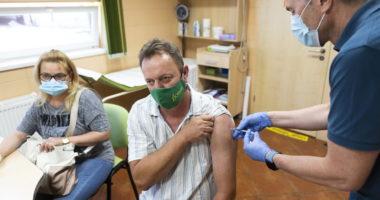 Hungary vaccine border