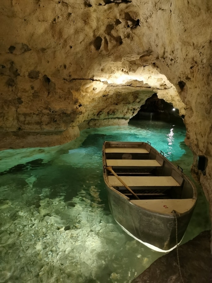 Tapolca lake cave