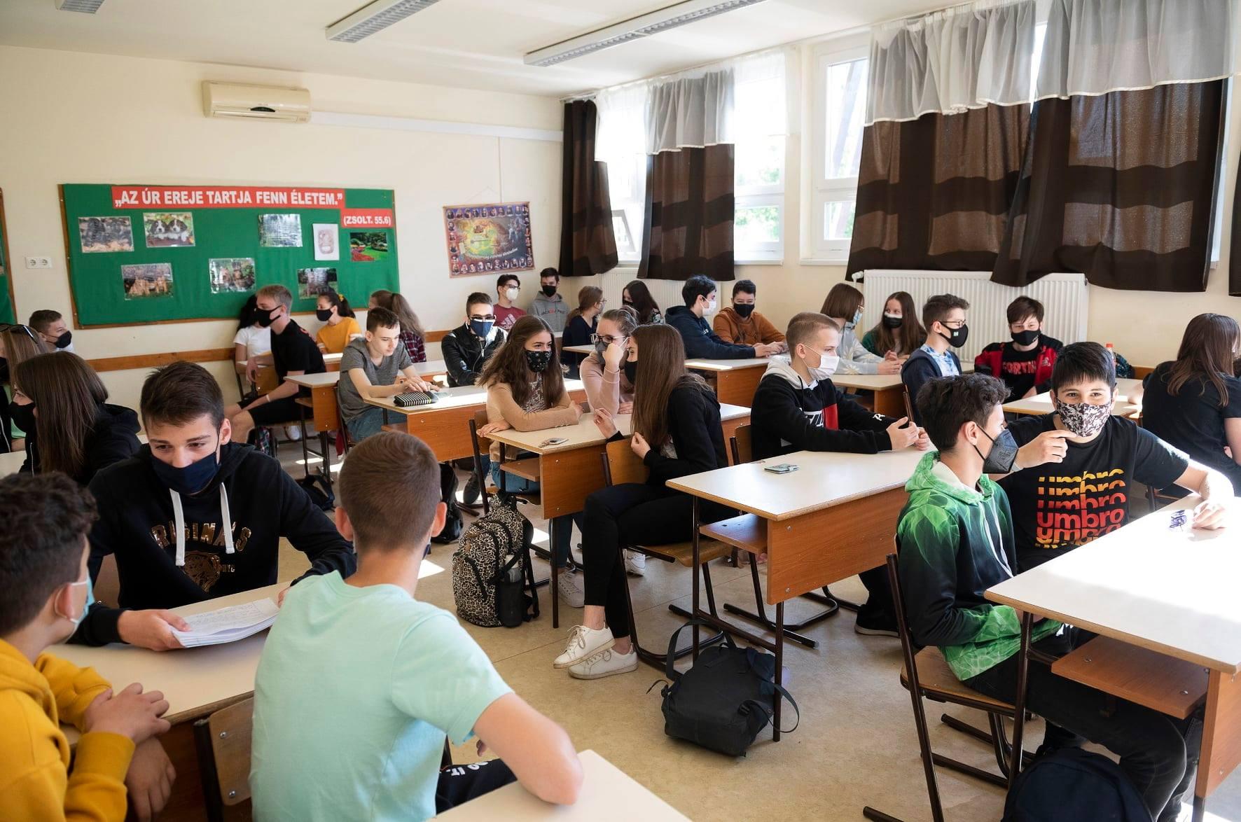 meet általános iskola corona)