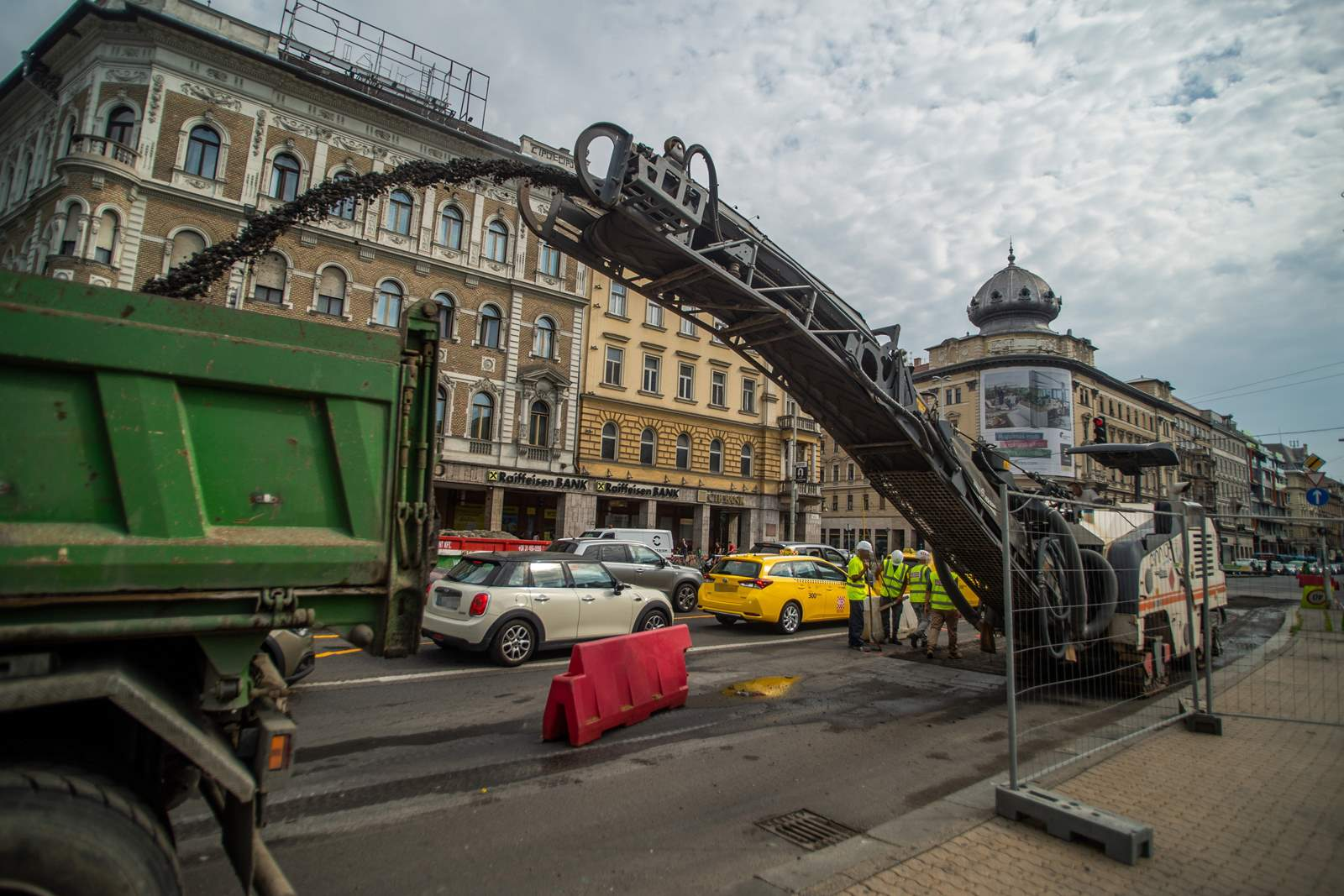 The reconstruction of Blaha Lujza Square started